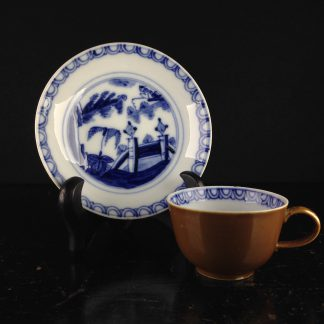 Meissen cup & saucer, Chinese fishing man, c. 1730 -0