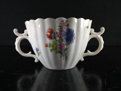 Chelsea red anchor double handled ribbed cup, C. 1755 -0