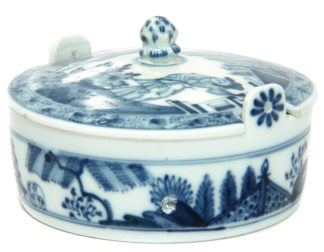 Meissen butter tub with chinoiserie underglaze blue, C. 1740-0