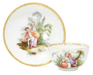 Meissen teabowl & saucer, Watteauesque scenes, c. 1770 -0