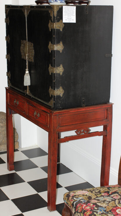 European Chinoiserie black lacquer chest, on later stand, c. 1700 -9343