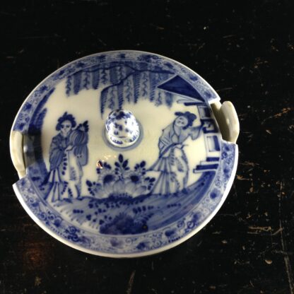 Meissen butter tub with chinoiserie underglaze blue, C. 1740-2622