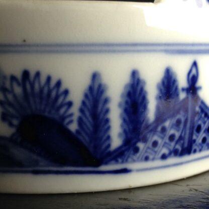 Meissen butter tub with chinoiserie underglaze blue, C. 1740-2624