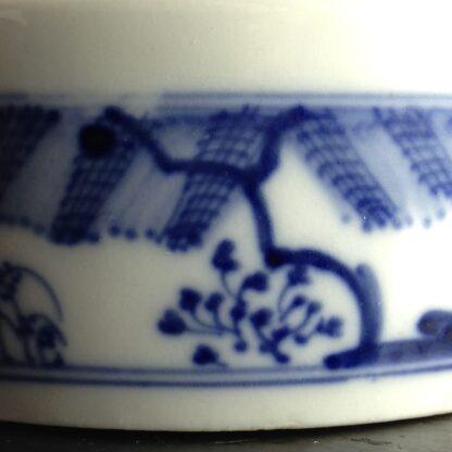 Meissen butter tub with chinoiserie underglaze blue, C. 1740-2629