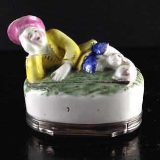 Mennecy snuff box, shepherd, C. 1760 -0