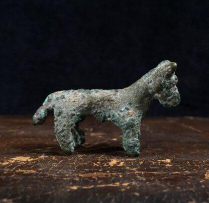 Ancient Persian bronze bull, Luristan, 8th century BC -0