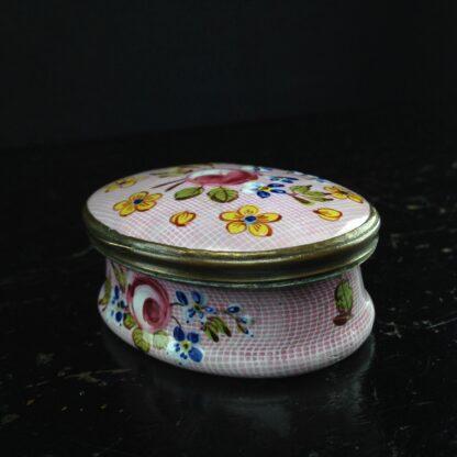English enamel box, Gingham & flowers, circa 1760 -3892