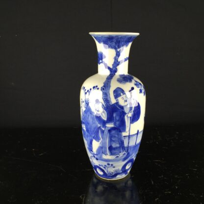 Chinese tall vase with underglaze blue figural scene, 19th century -9044