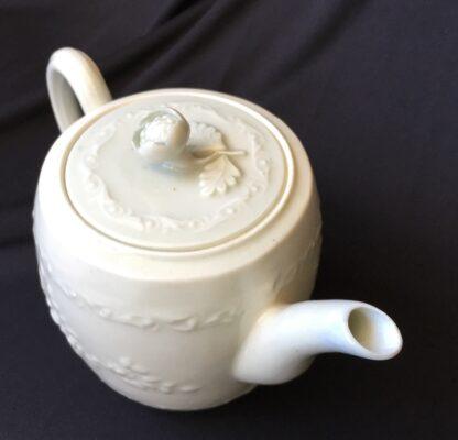 Worcester barrel shape teapot, rare Chinese Landscape pattern, c.1760 -20024