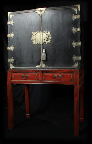 European Chinoiserie black lacquer chest, on later stand, c. 1700 -0
