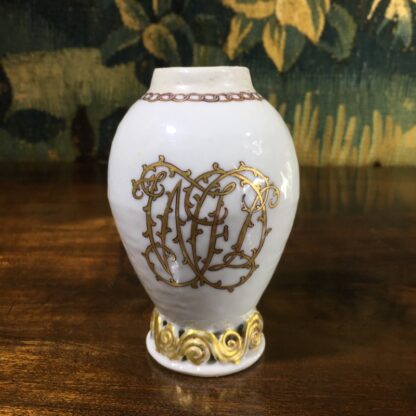 Chinese export tea canister, egg shape with WJD monogram, c.1780 -31173
