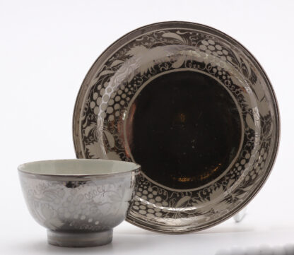Platinum lustre Pearlware teabowl & saucer, grape vine pattern, c.1820 -9023