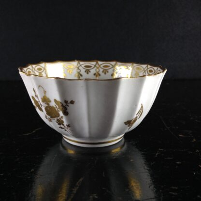 Worcester teabowl, Giles decorated with gilt flowers, C. 1770 -0