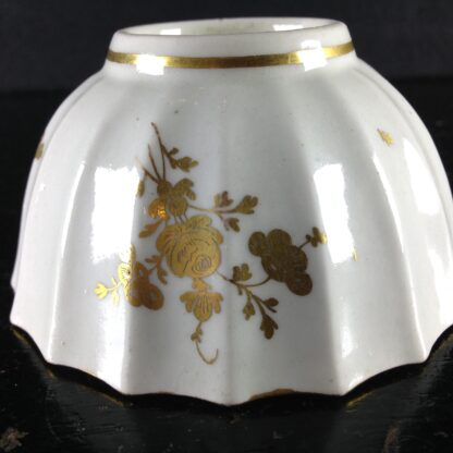 Worcester teabowl, Giles decorated with gilt flowers, C. 1770 -2113