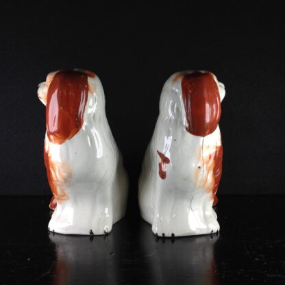 Pair of Staffordshire pottery spaniels, c. 1870-2548
