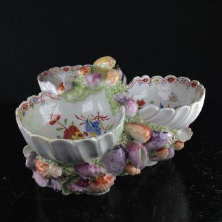 Bow triple sweetmeat, kakiemon dec & encrusted with shells, C. 1760 -0
