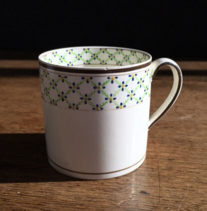 Wedgwood Creamware coffee can with daisy head borders, c. 1800-0