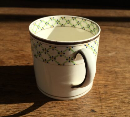 Wedgwood Creamware coffee can with daisy head borders, c. 1800-16914
