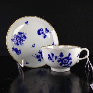 Worcester cup and saucer, dry blue flowers, c.1770 -0