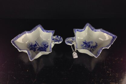 Pair of Wedgwood leaf shape pickles, C. 1820 -4066
