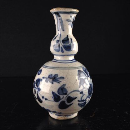 Dutch Delft small vase, in the Chinese style, c. 1720. -4175
