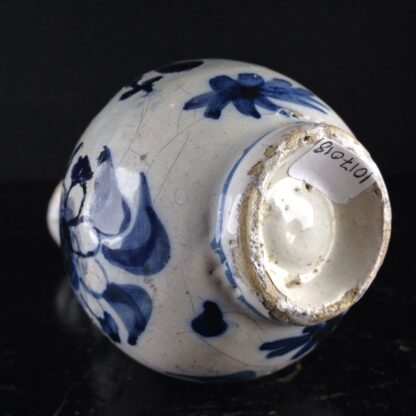 Dutch Delft small vase, in the Chinese style, c. 1720. -4180