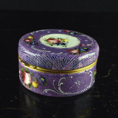 English enamel snuff box, gingham ground with flower panels, c.1780 -4397