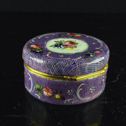 English enamel snuff box, gingham ground with flower panels, c.1780 -4398