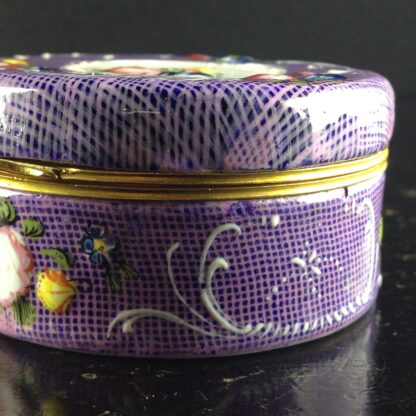 English enamel snuff box, gingham ground with flower panels, c.1780 -4400