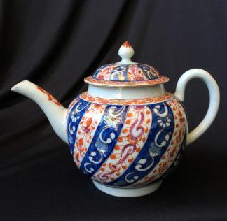 Worcester Queen Charlotte pattern teapot c.1765 -0