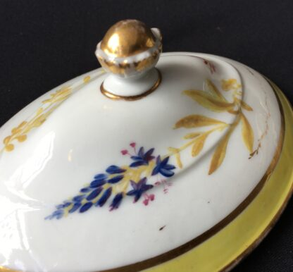 French porcelain tureen, decorated by Billingsly at Brampton, c. 1805 -20439
