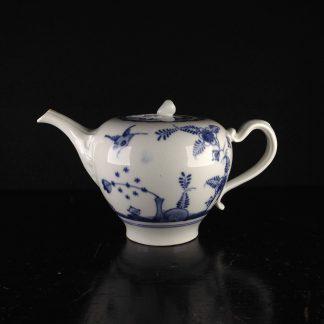 Vienna teapot, underglaze fels-und-vogel pattern, c.1760 -0