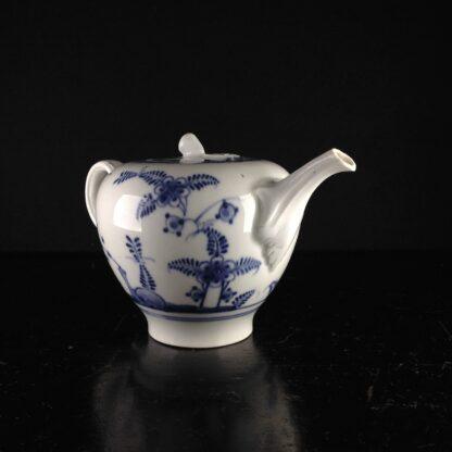 Vienna teapot, underglaze fels-und-vogel pattern, c.1760 -5447