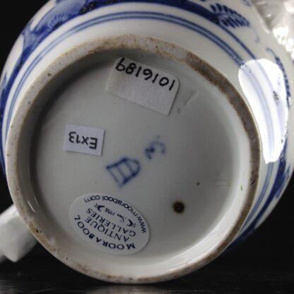 Vienna teapot, underglaze fels-und-vogel pattern, c.1760 -5451