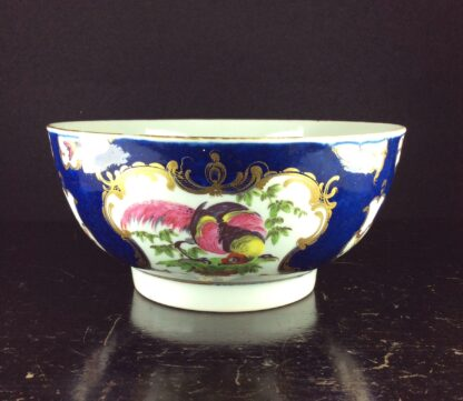 Worcester Blue Scale bowl with birds, c.1765-70. -6065