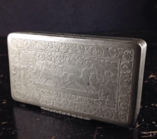 Pewter snuff box, horse catching engraving, 19th century -0