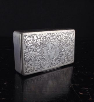 Pewter snuff box, monarch profile, 19th century -0