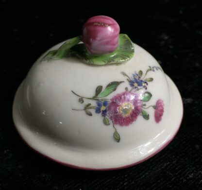 Mennecy custard cup & cover, flowers, c.1760. -10213