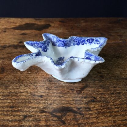 Staffordshire leaf shape pickle in willow pattern, c. 1850 -23636
