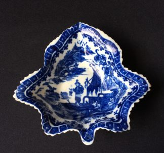 Caughley 'fisherman pattern' leaf shape pickle dish, C.1780 -0
