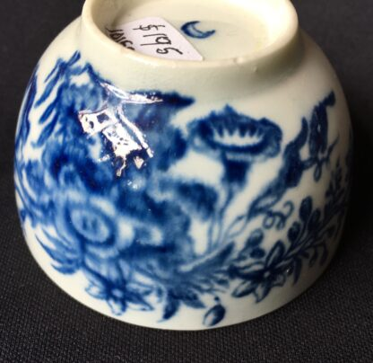 Worcester tea bowl, small size, three flowers pattern c.1765 -19895