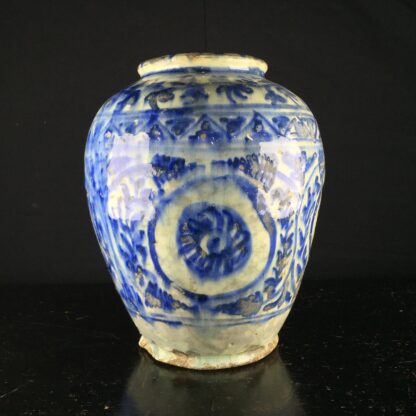 Mamluk jar in the Chinese manner, 16th-17th century -9204