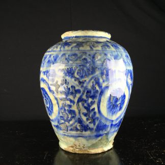Mamluk jar in the Chinese manner, 16th-17th century -0