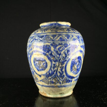 Mamluk jar in the Chinese manner, 16th-17th century -9207