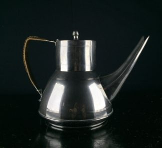 Stylish nickel plated teapot, Gerüder Bing, Nurenberg 1906-12-0