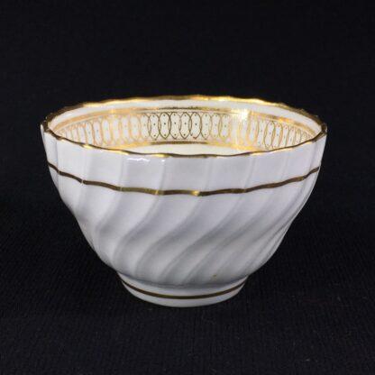 Chamberlain's Worcester teabowl, gilt pattern, c.1795-0