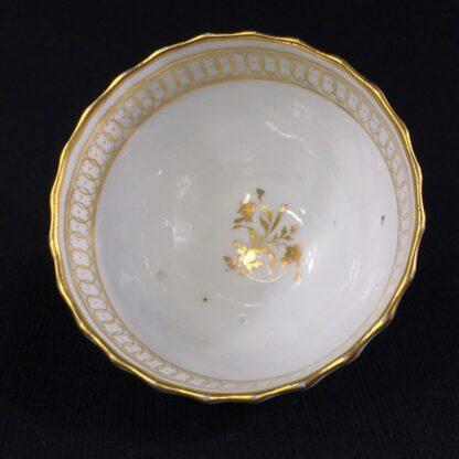 Chamberlain's Worcester teabowl, gilt pattern, c.1795-26082
