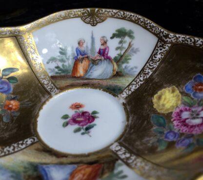 Meissen saucer with gilt ground, Watteauesque panels, 19th century-11537