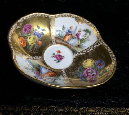 Meissen saucer with gilt ground, Watteauesque panels, 19th century-0