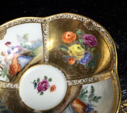 Meissen saucer with gilt ground, Watteauesque panels, 19th century-11540